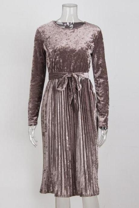 Brown O-Neck Velvet Midi Dress Featuring Pleated Skirt and Long Sleeves