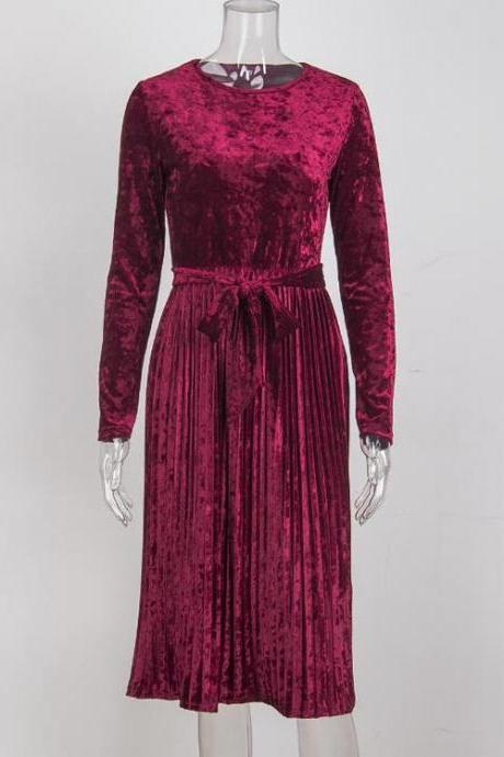 Dark Red O-Neck Velvet Midi Dress Featuring Pleated Skirt and Long Sleeves